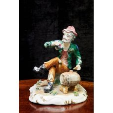 """Vintage-style ceramic figure """"man with a beer barrel"""""""