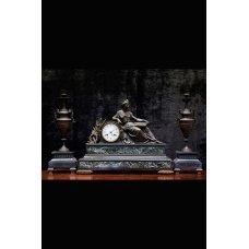 Antique bronze mantel clock