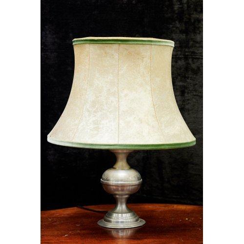 Vintage style metal table lamp