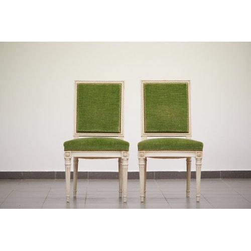 Antique pair chairs