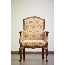 Antique armchair made of Walnut