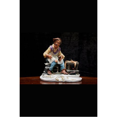 "New La Funte porcelain figure ""Shoemaker"""