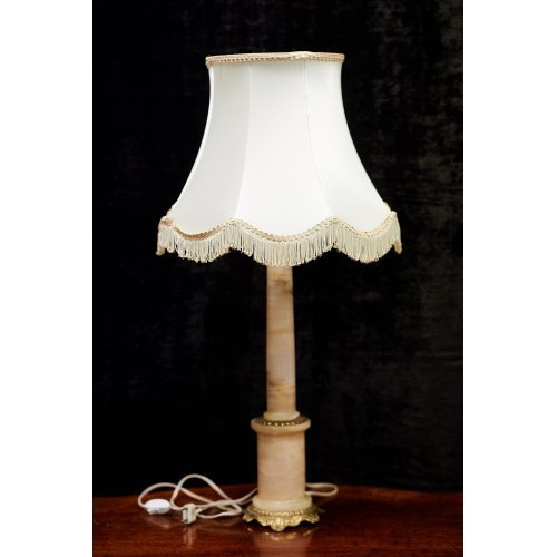 Vintage style table lamp with marble and bronze finish