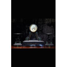 Mantel clock with candlesticks, marble with gold inlays