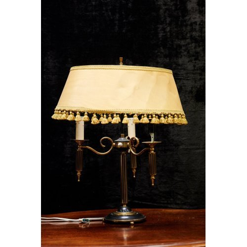 Corinthian columns table lamp